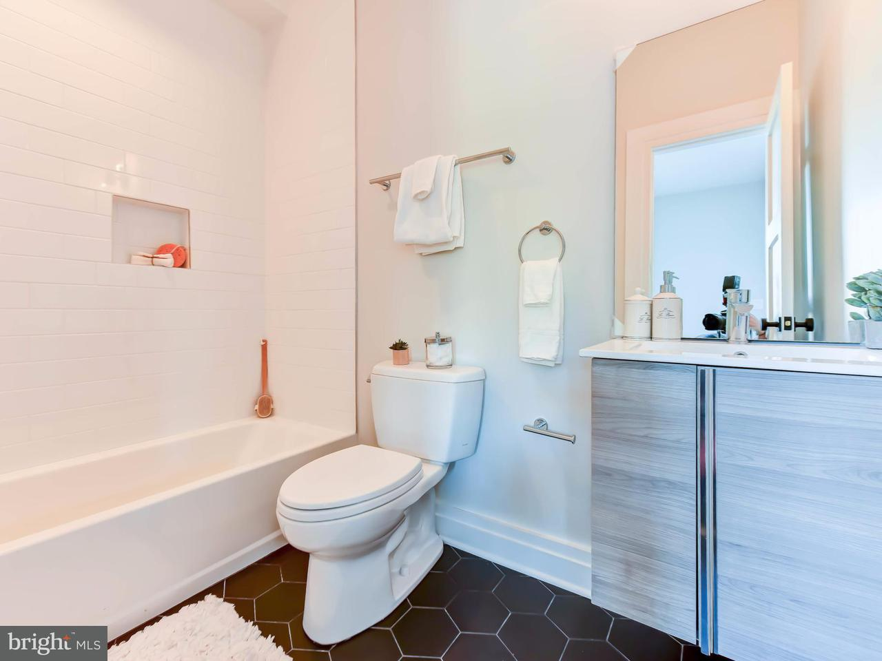 Additional photo for property listing at 71 U St Nw #2 71 U St Nw #2 Washington, 哥倫比亞特區 20001 美國