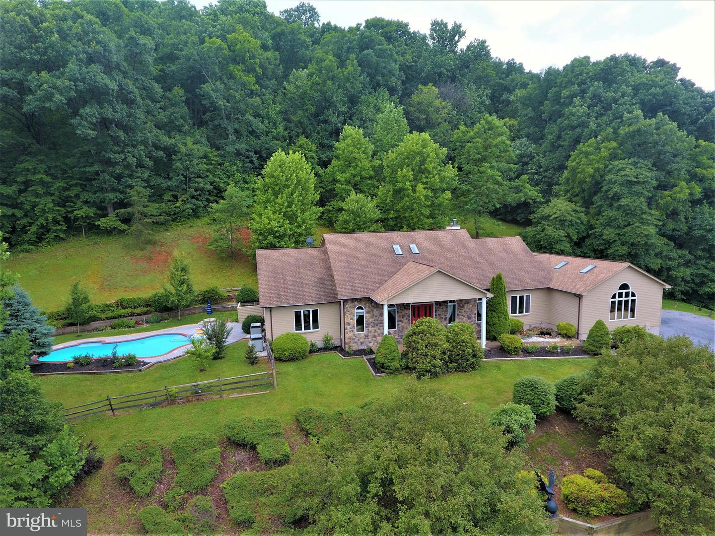 Single Family for Sale at 1564 Buck Mountain Rd Bentonville, Virginia 22610 United States