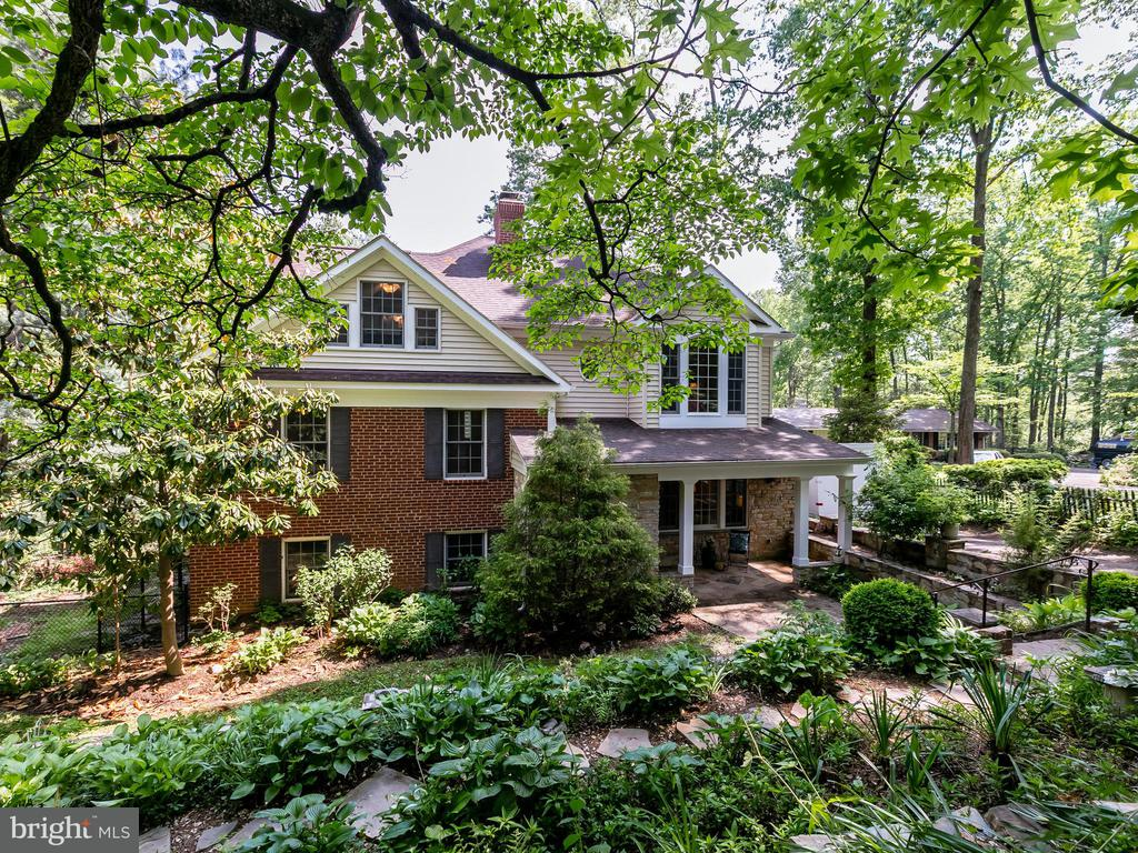 Springfield Homes for Sale -  Custom,  6612  RIDGEWAY DRIVE