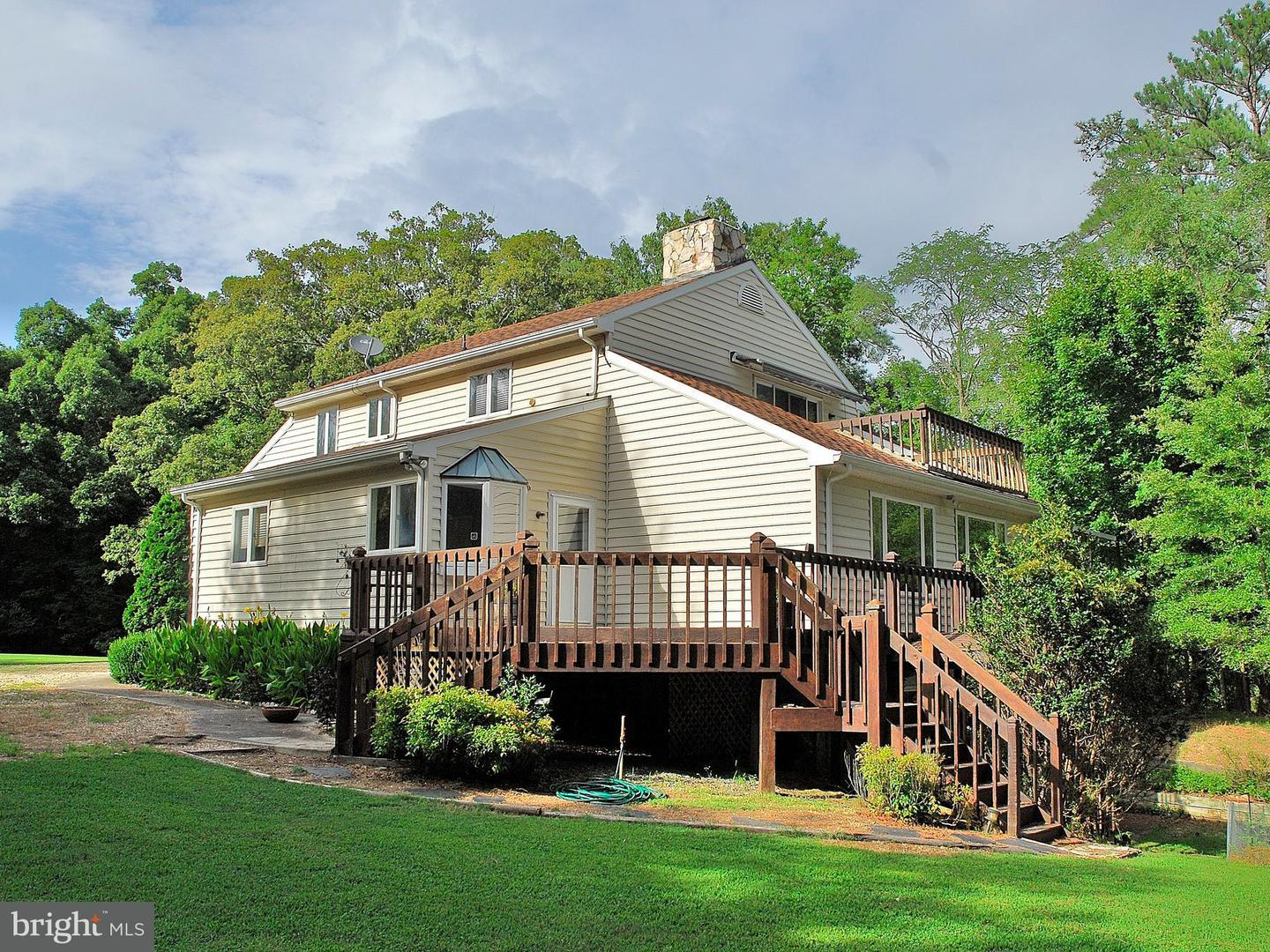 Single Family for Sale at 2171 Taylors Creek Rd Weems, Virginia 22576 United States
