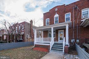Casa unifamiliar adosada (Townhouse) por un Venta en 4216 12th Pl Ne 4216 12th Pl Ne Washington, Distrito De Columbia 20017 Estados Unidos