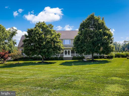 Property for sale at 15806 Woodgrove Rd, Purcellville,  VA 20132