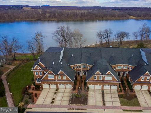 Property for sale at 18298 Fairway Oaks Sq, Leesburg,  VA 20176
