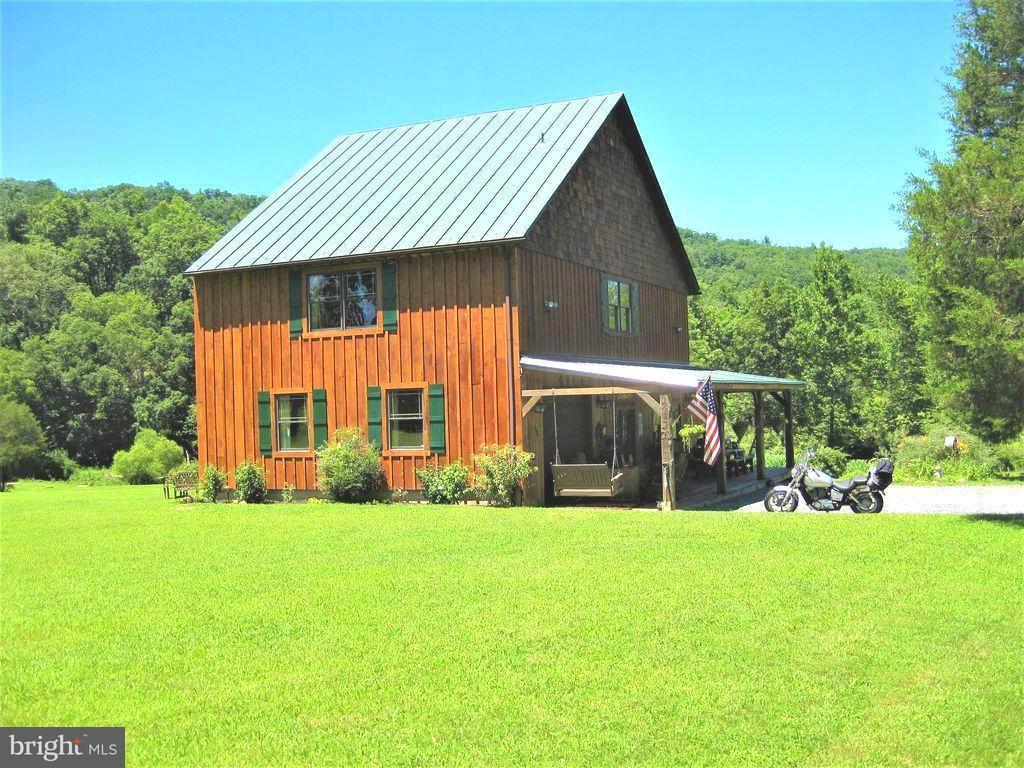 Частный односемейный дом для того Продажа на 700 Wagon Chase Trail 700 Wagon Chase Trail Capon Bridge, Западная Виргиния 26711 Соединенные Штаты