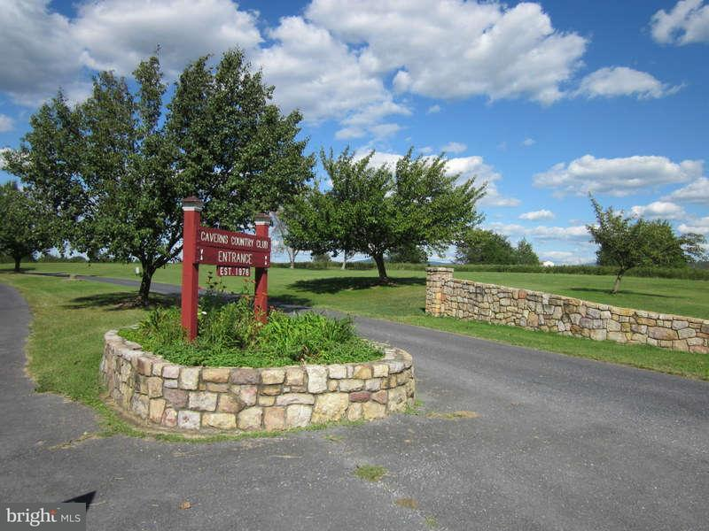 Additional photo for property listing at Beall Ave  Luray, Virginia 22835 United States