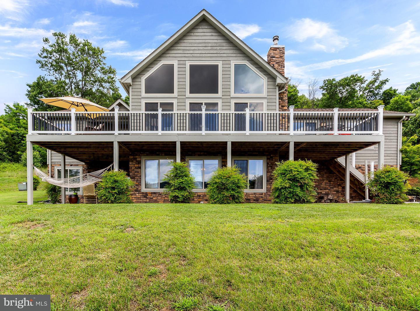Single Family for Sale at 743 Jennings Ln Bentonville, Virginia 22610 United States