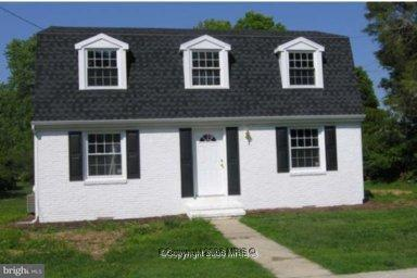 Single Family for Sale at 4001 Main St Trappe, Maryland 21673 United States