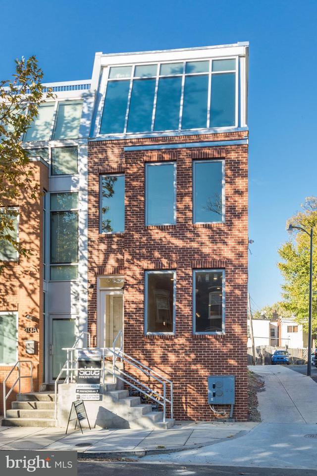 共管式独立产权公寓 为 销售 在 411 Ridge St Nw #1 411 Ridge St Nw #1 华盛顿市, 哥伦比亚特区 20001 美国