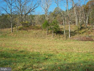 Additional photo for property listing at Posey Hollow  Berkeley Springs, West Virginia 25411 United States