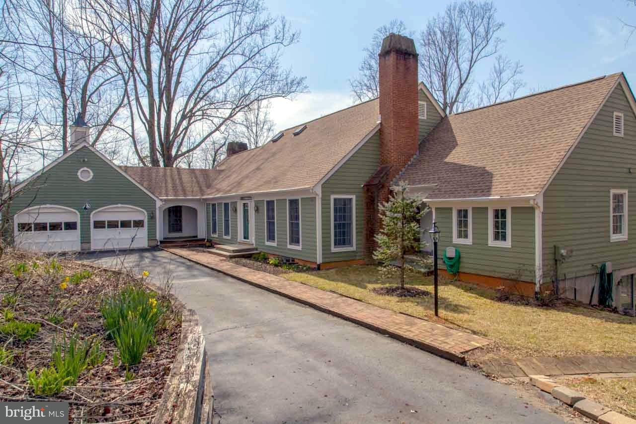 Single Family for Sale at 494 Bird Ln Stanardsville, Virginia 22973 United States