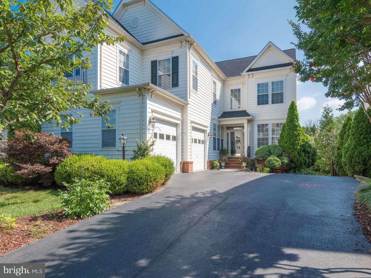 Single Family for Sale at 21888 Larchmont Way Broadlands, Virginia 20148 United States