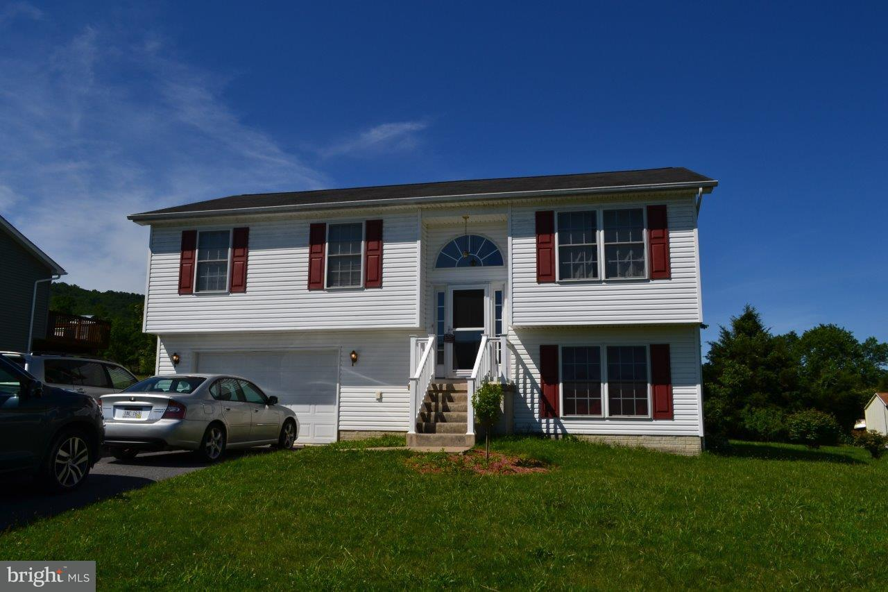 Single Family for Sale at 109 Mulberry Ln Wardensville, West Virginia 26851 United States