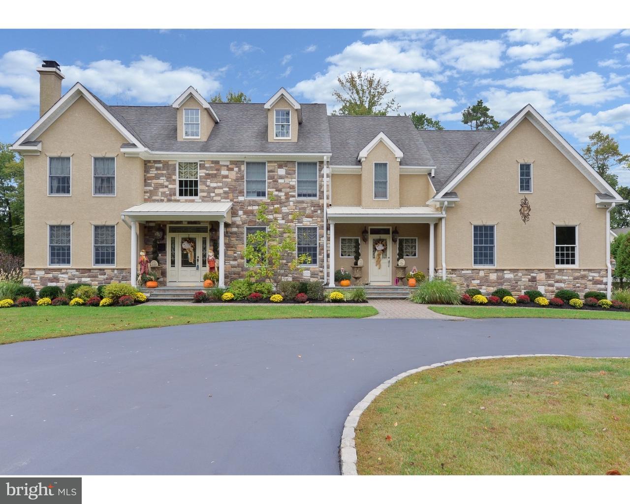 Maison unifamiliale pour l Vente à 1412 HAINESPORT MT LAUREL Road Mount Laurel, New Jersey 08054 États-Unis