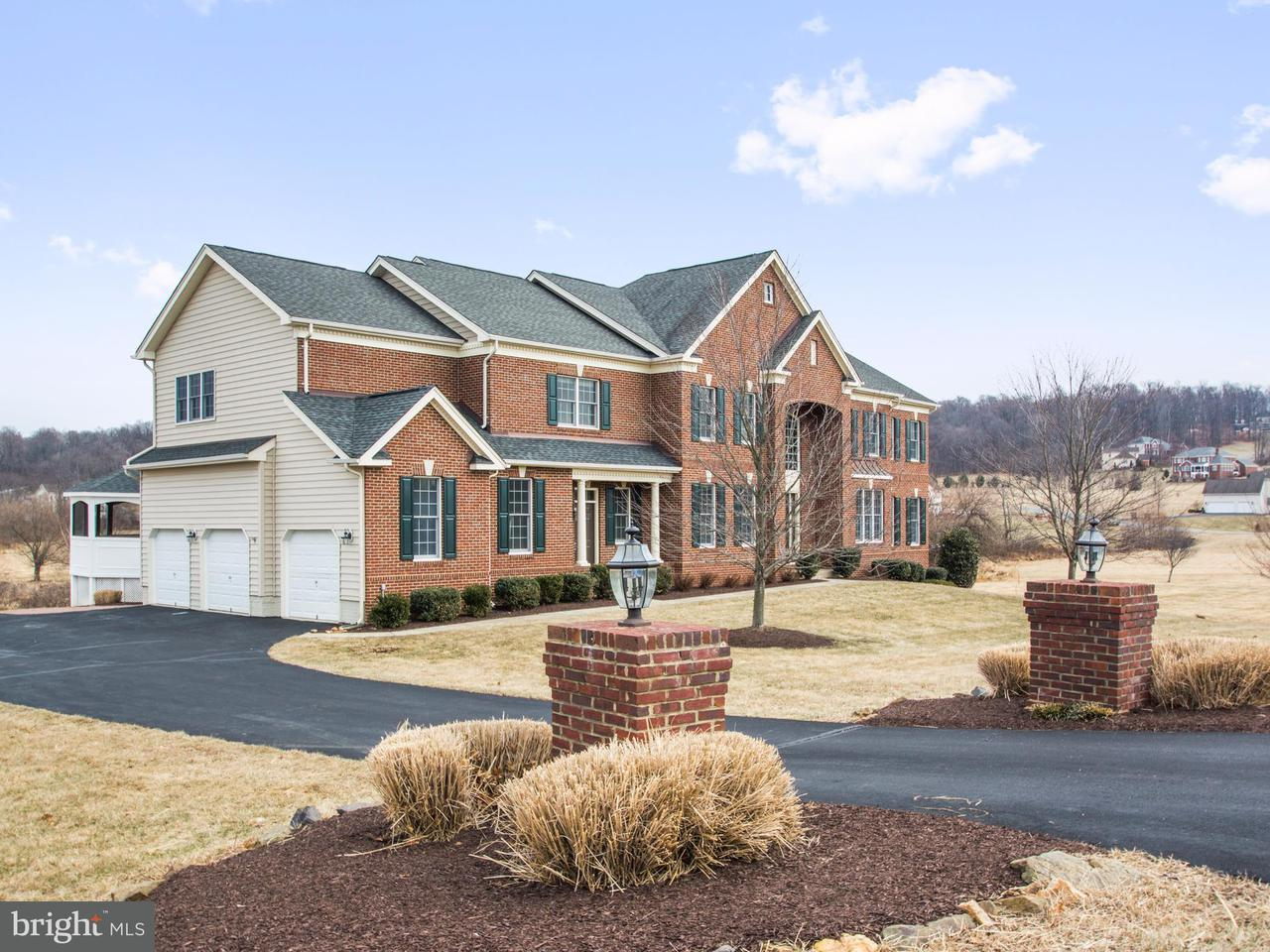 Single Family Home for Sale at 41042 Tesla Court 41042 Tesla Court Waterford, Virginia 20197 United States