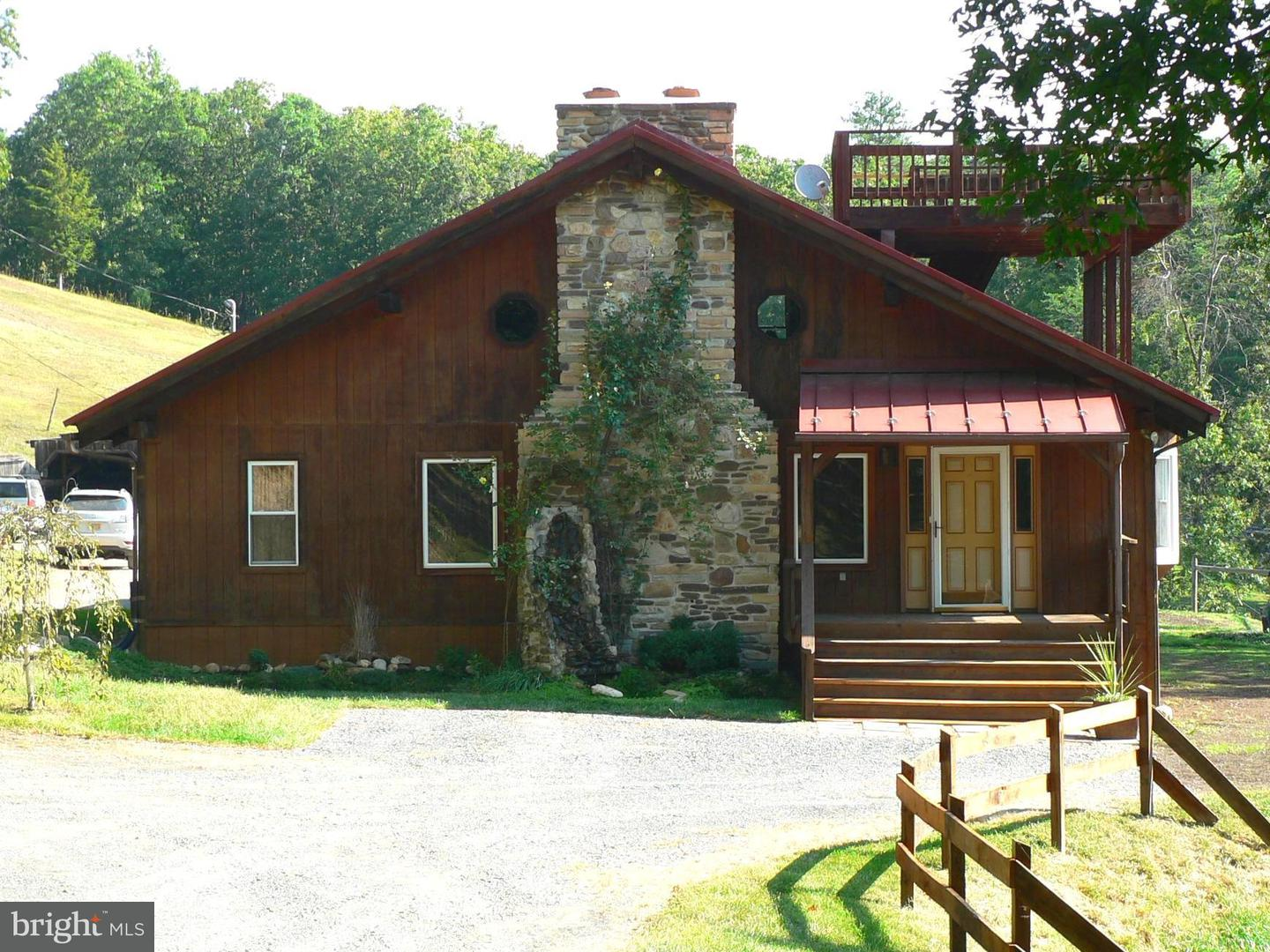 Single Family for Sale at 1754 Outlaw Trl Maysville, West Virginia 26833 United States