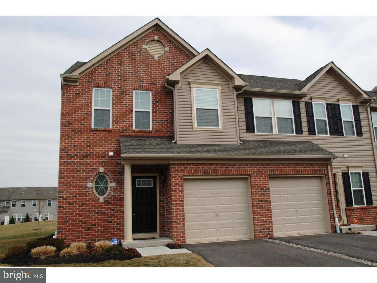 联栋屋 为 出租 在 91 SUNDANCE Drive Hamilton Township, 新泽西州 08619 美国在/周边: Hamilton Township
