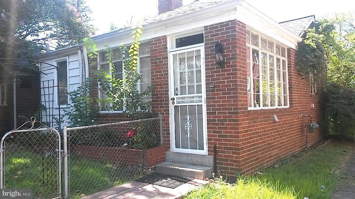 Additional photo for property listing at 2100 Branch Ave Se 2100 Branch Ave Se Washington, Округ Колумбия 20020 Соединенные Штаты