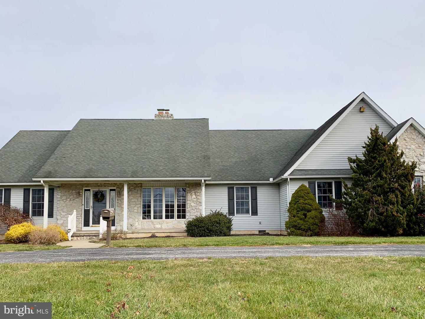 Single Family Home for Sale at 242 WOODSTOWN DARETOWN Road Woodstown, New Jersey 08098 United States