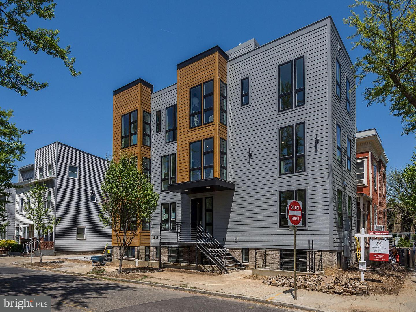 Single Family for Sale at 700 16th St NE #4 Washington, District Of Columbia 20002 United States