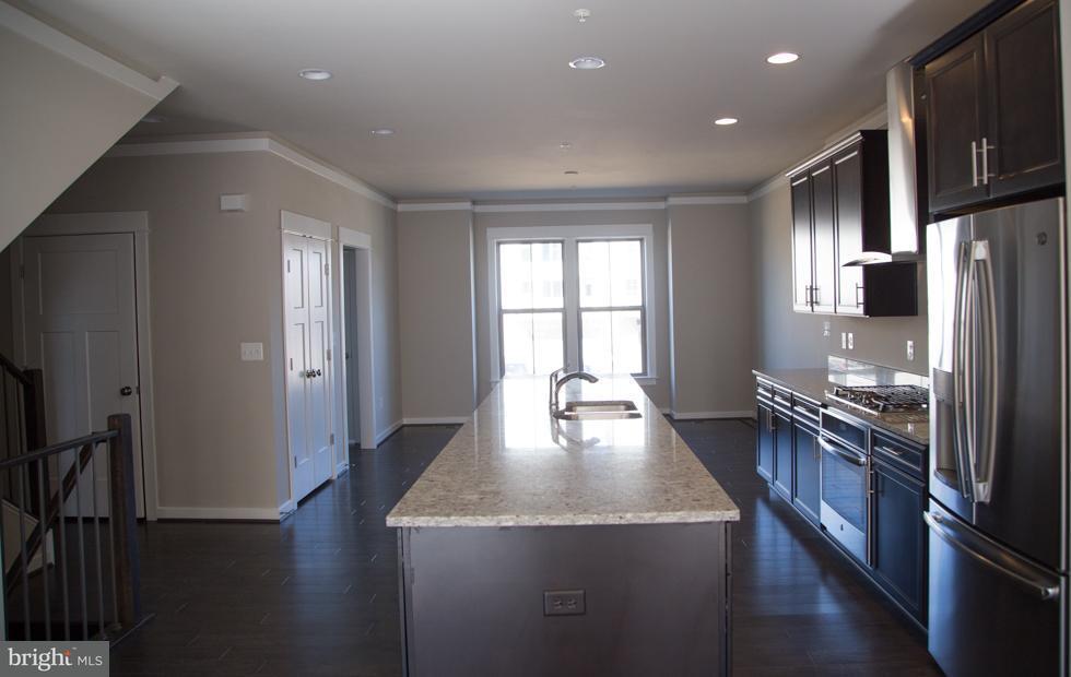타운하우스 용 매매 에 14344 Potomac Heights Lane 14344 Potomac Heights Lane Rockville, 메릴랜드 20850 미국