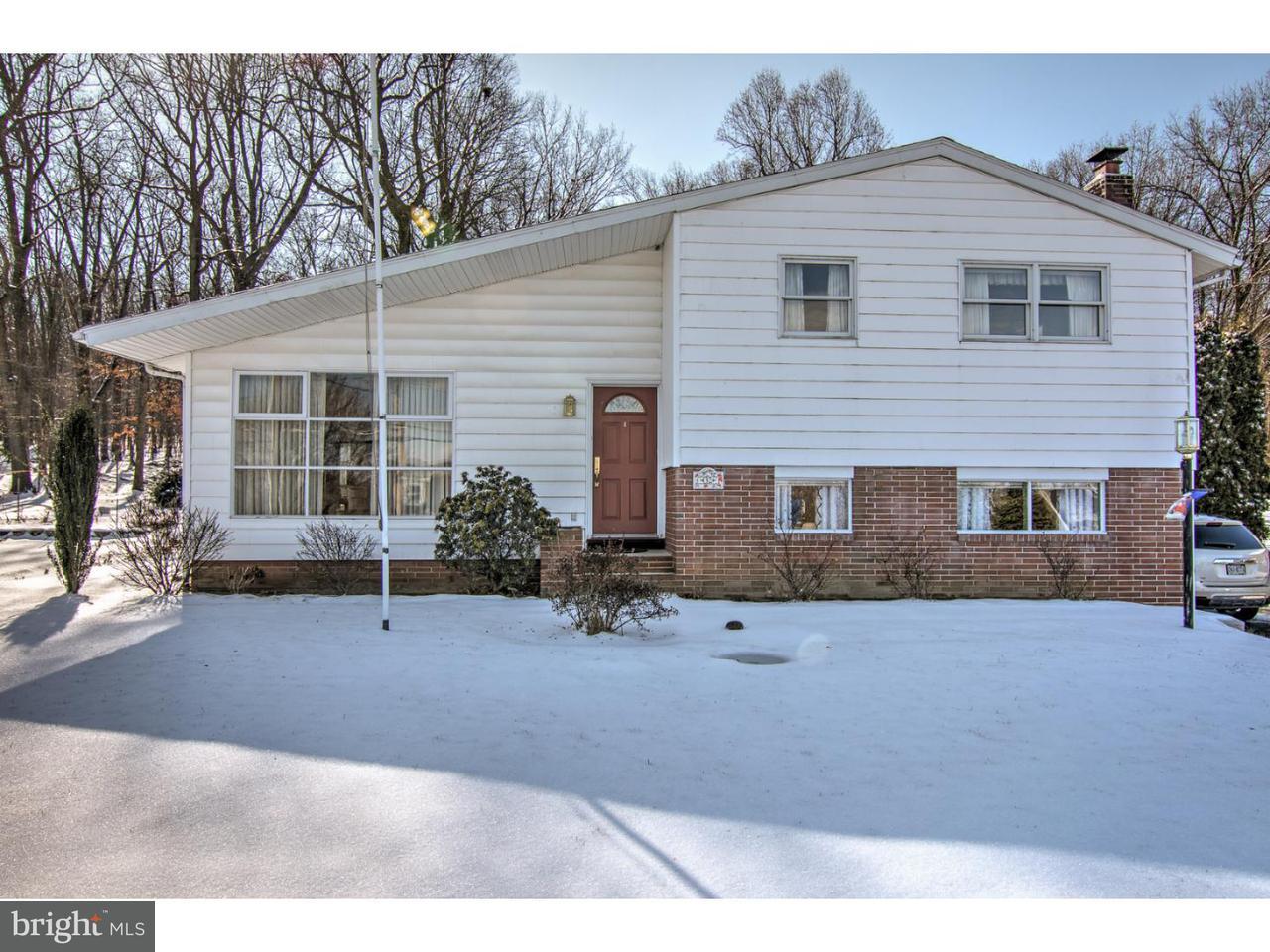 Частный односемейный дом для того Продажа на 32 W RYELAND Road Womelsdorf, Пенсильвания 19567 Соединенные Штаты