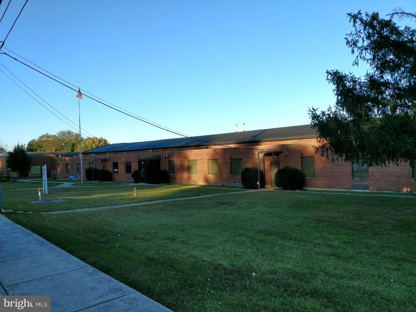 Commercial for Sale at 320 Hawksbill St Luray, Virginia 22835 United States