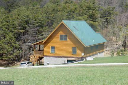Eensgezinswoning voor Verkoop een t 2326 Shenandoah Mountian Road 2326 Shenandoah Mountian Road Mathias, West Virginia 26812 Verenigde Staten