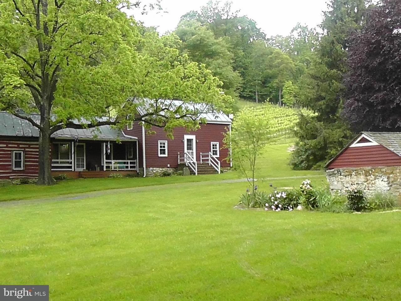 Fazenda / Quinta para Venda às 423 Ben Venue Road 423 Ben Venue Road Flint Hill, Virginia 22627 Estados Unidos