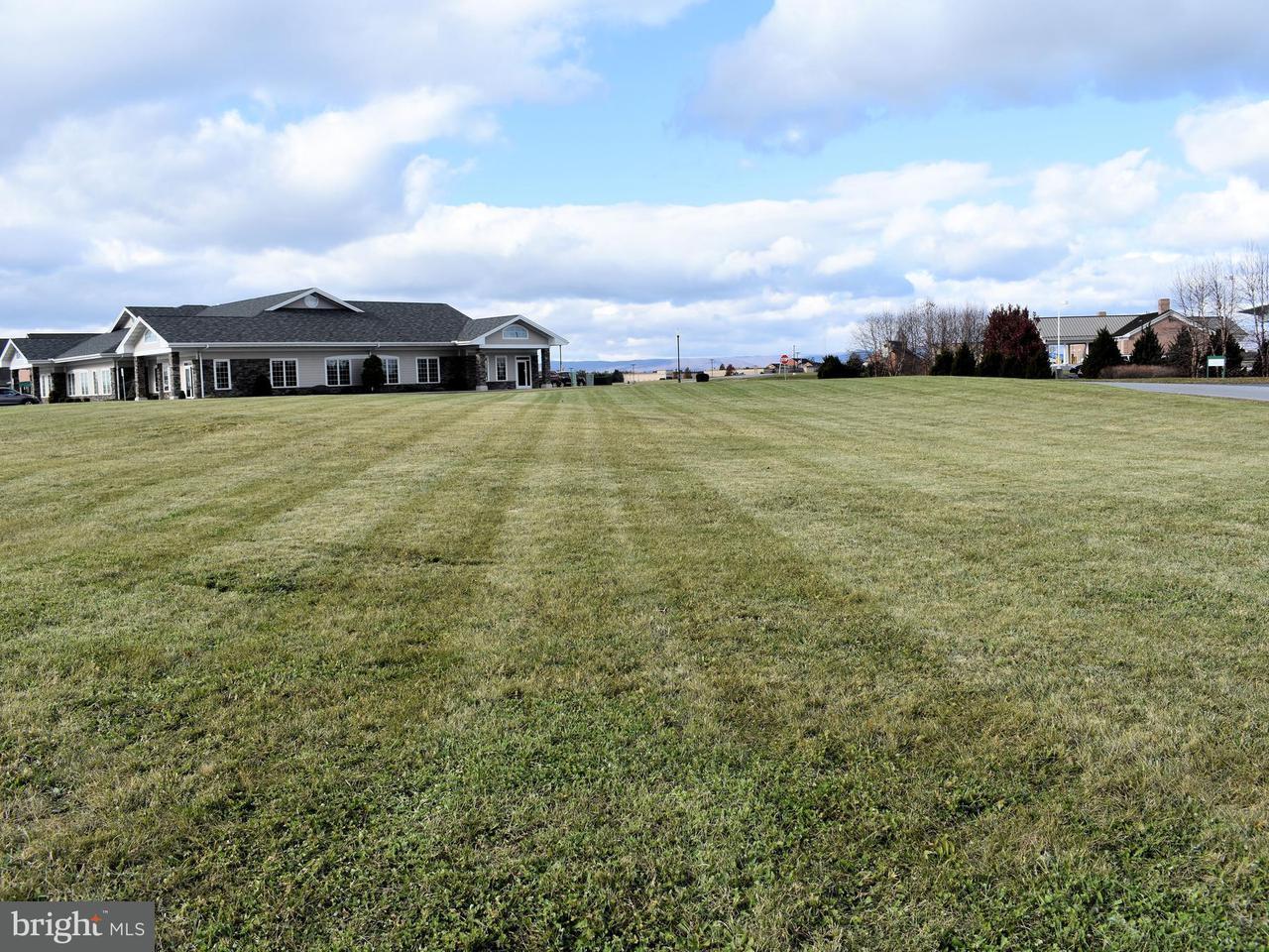 Additional photo for property listing at 30 Parkwood Drive 30 Parkwood Drive Chambersburg, Pensilvânia 17201 Estados Unidos