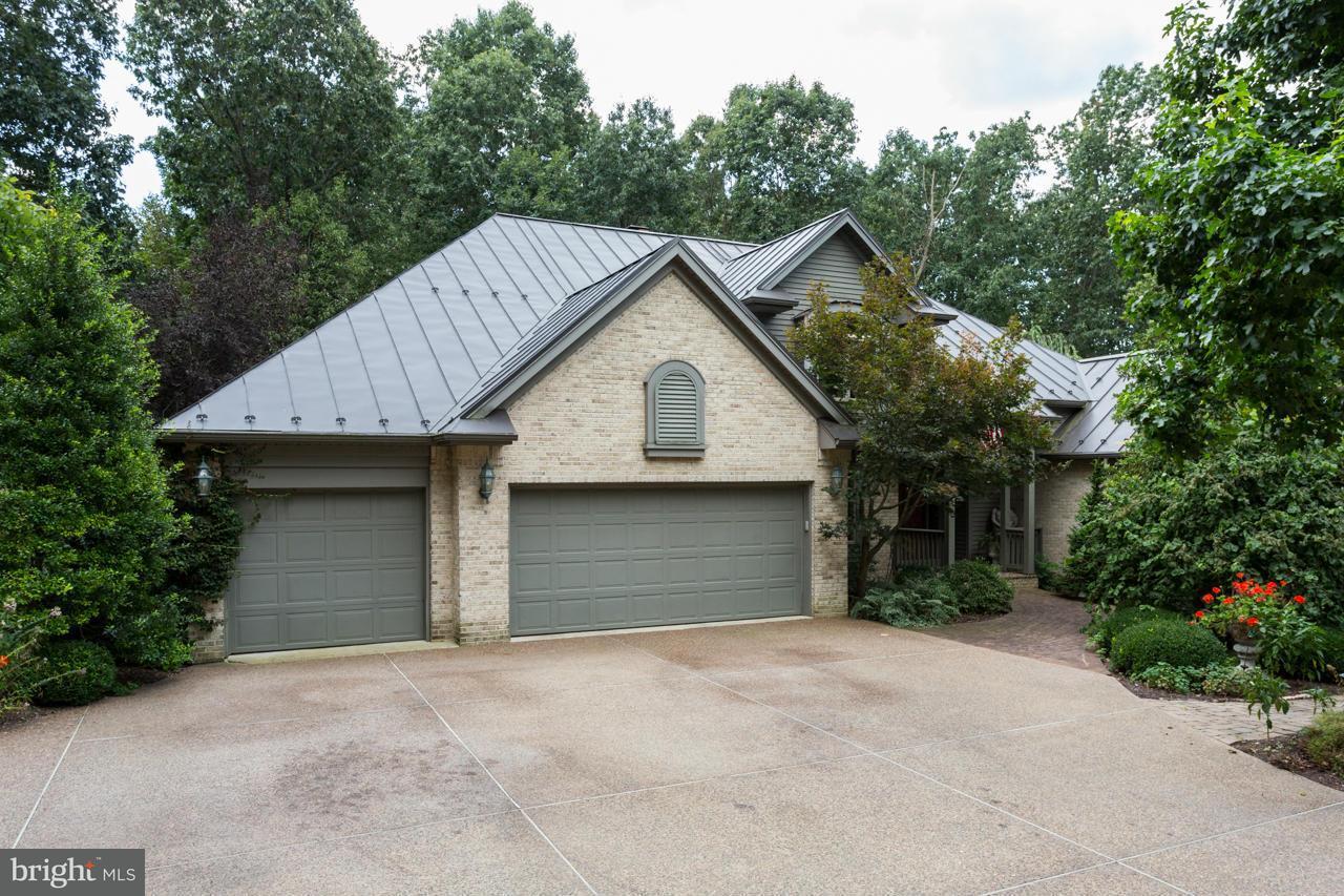 独户住宅 为 销售 在 536 E F Street 536 E F Street Elkton, 弗吉尼亚州 22827 美国