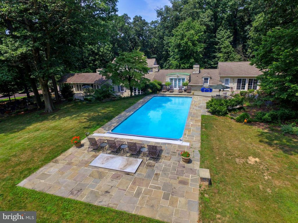 23  WARWICK ROAD, Manheim Township, Pennsylvania 5 Bedroom as one of Homes & Land Real Estate