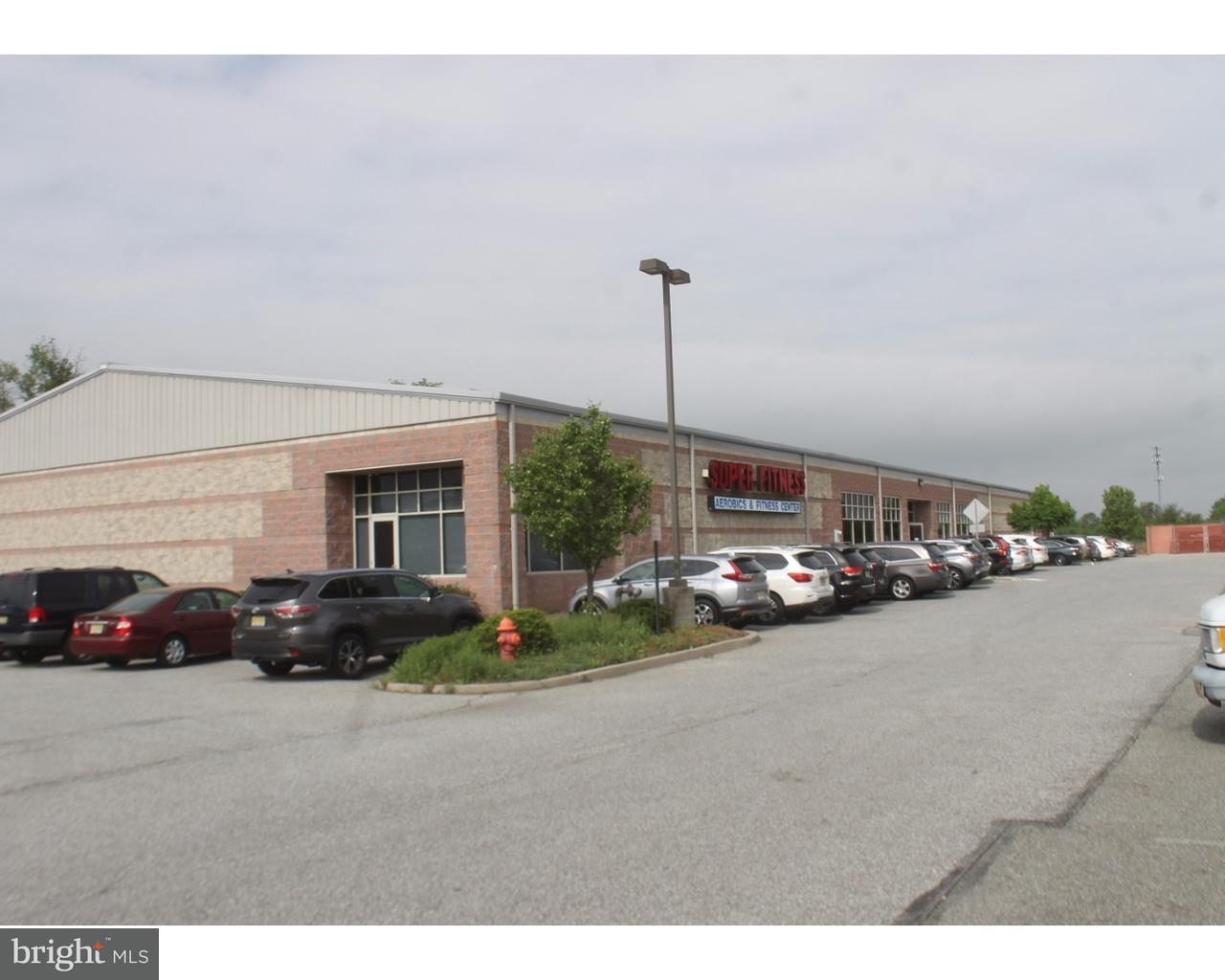Частный односемейный дом для того Продажа на 553 BECKETT Road Swedesboro, Нью-Джерси 08085 Соединенные Штаты