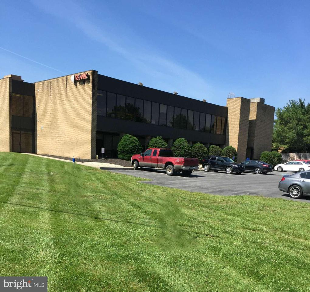Commercial for Sale at 1314 Edwin Miller Blvd 1314 Edwin Miller Blvd Martinsburg, West Virginia 25401 United States