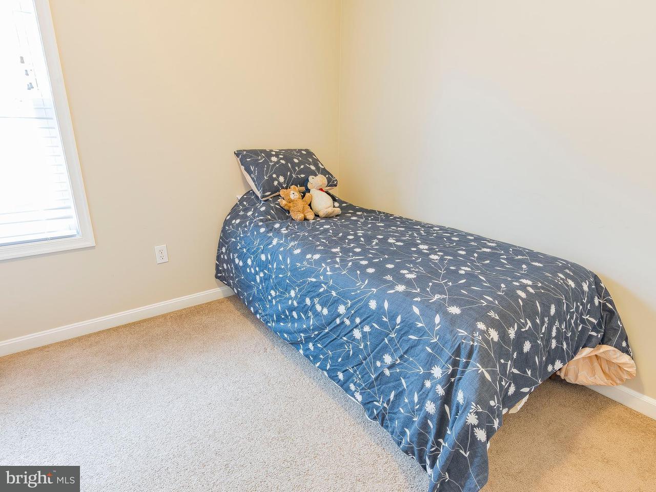 Doppelhaus für Verkauf beim 9117 Dayton Avenue 9117 Dayton Avenue North Beach, Maryland 20714 Vereinigte Staaten