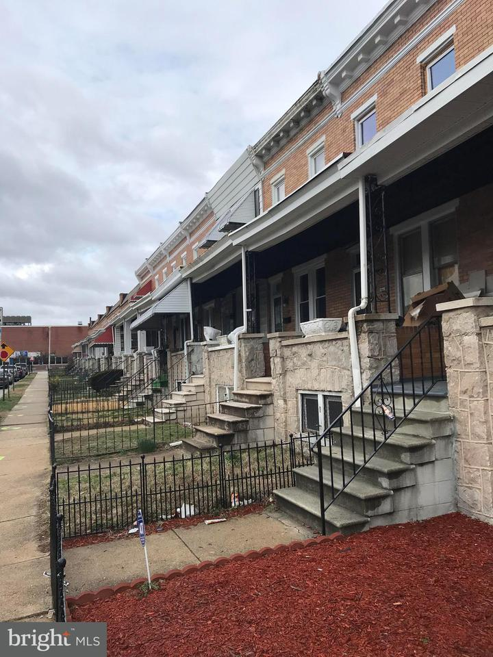 Single Family for Sale at 2206 W Saratoga St W Baltimore, Maryland 21223 United States