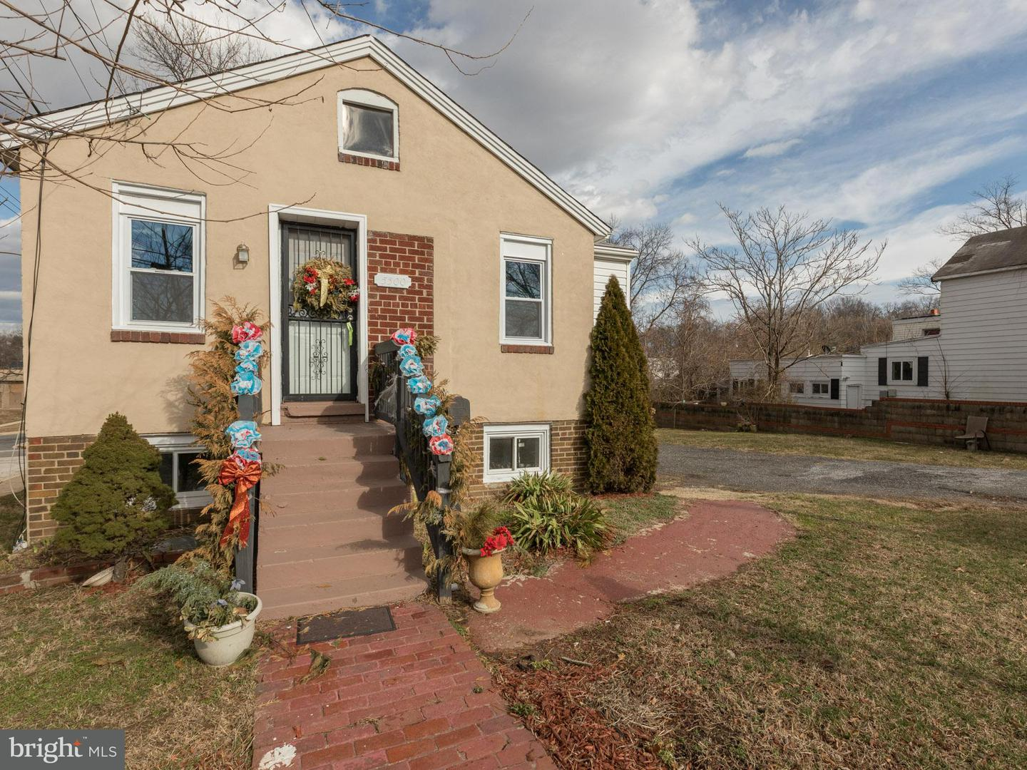Single Family for Sale at 5500 Addison Rd Fairmount Heights, Maryland 20743 United States