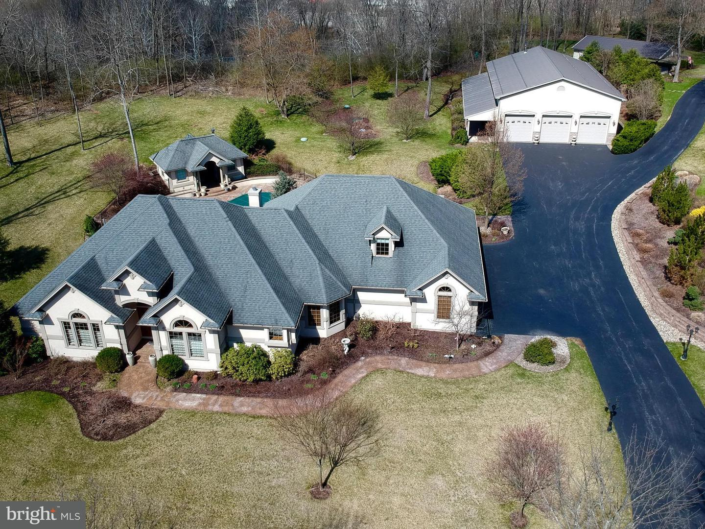 Single Family for Sale at 185 Park S Hollidaysburg, Pennsylvania 16648 United States