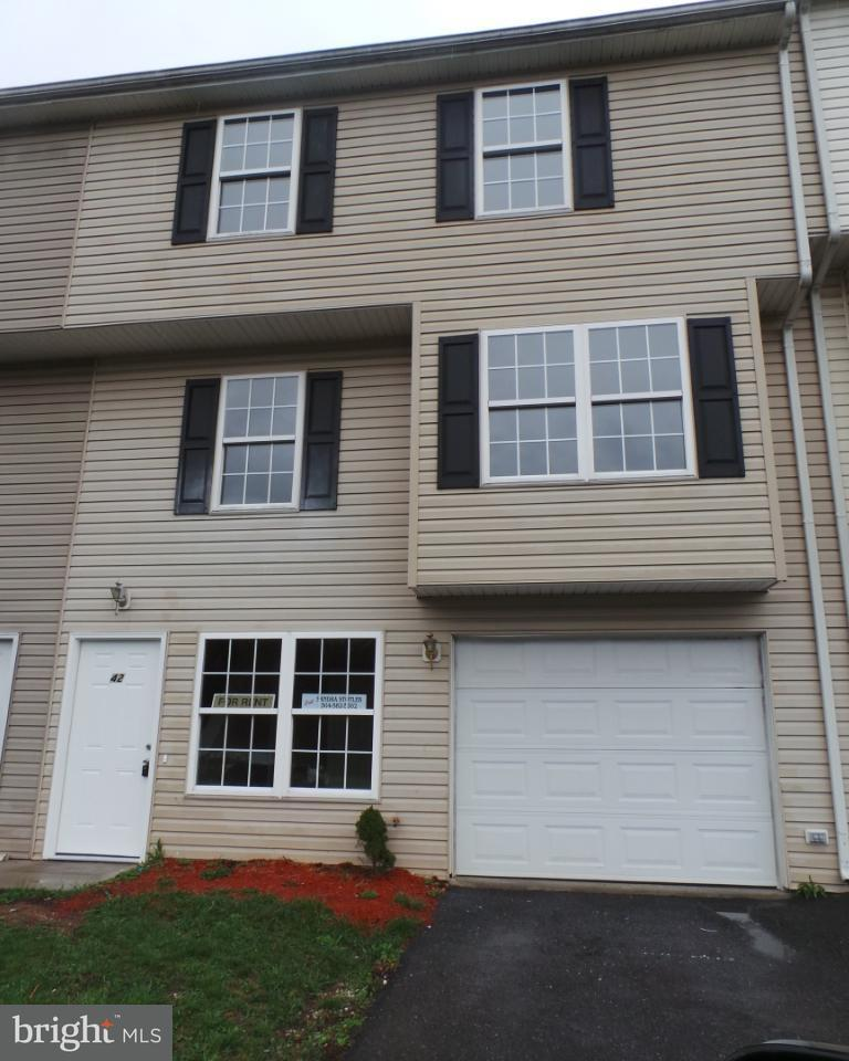 Other Residential for Rent at 42 Morningstar Dr #42 Hedgesville, West Virginia 25427 United States
