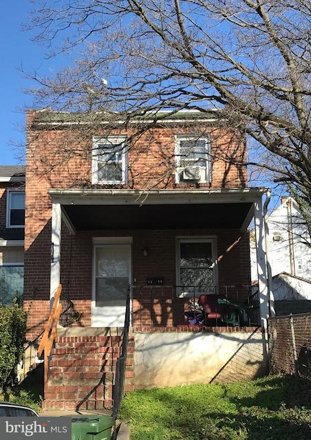 Single Family for Sale at 4104 Parkside Dr Baltimore, Maryland 21206 United States