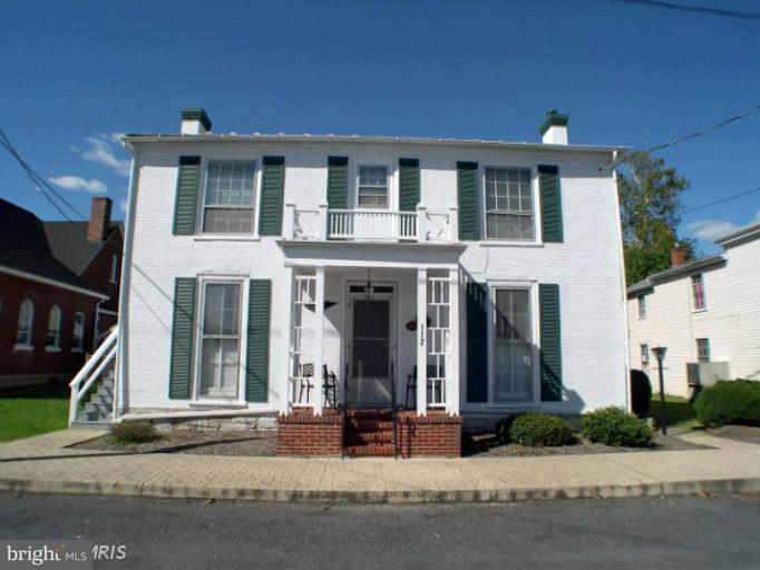 Other Residential for Rent at 112 High St S Edinburg, Virginia 22824 United States