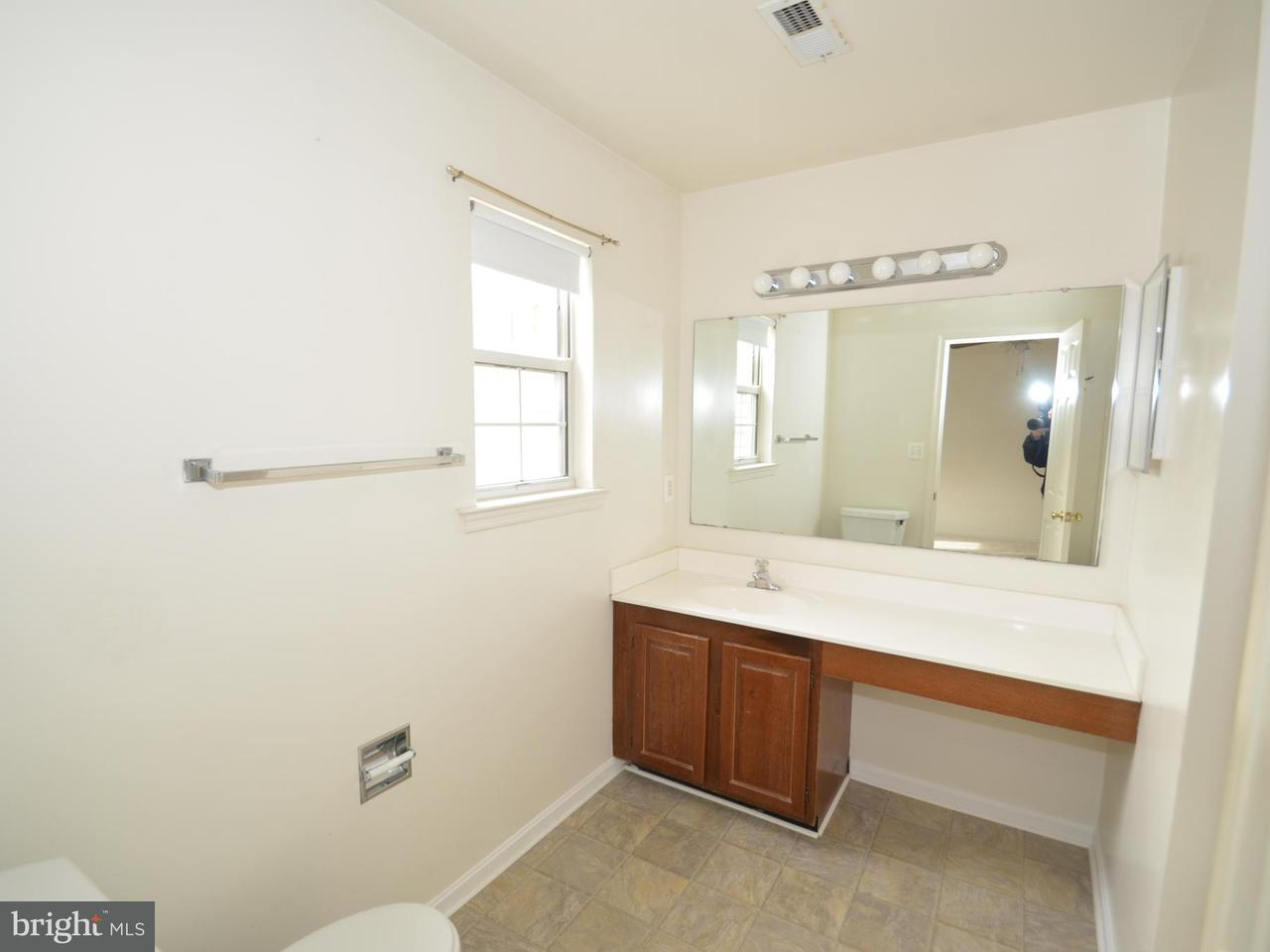 Additional photo for property listing at 5616 Glenwood Mews Drive 5616 Glenwood Mews Drive Alexandria, Виргиния 22315 Соединенные Штаты