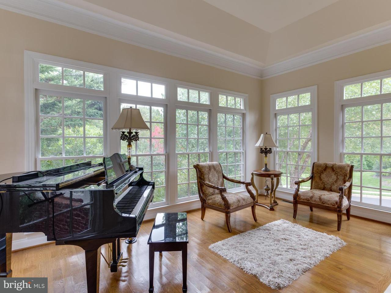 Additional photo for property listing at 907 Centrillion Drive 907 Centrillion Drive McLean, バージニア 22102 アメリカ合衆国