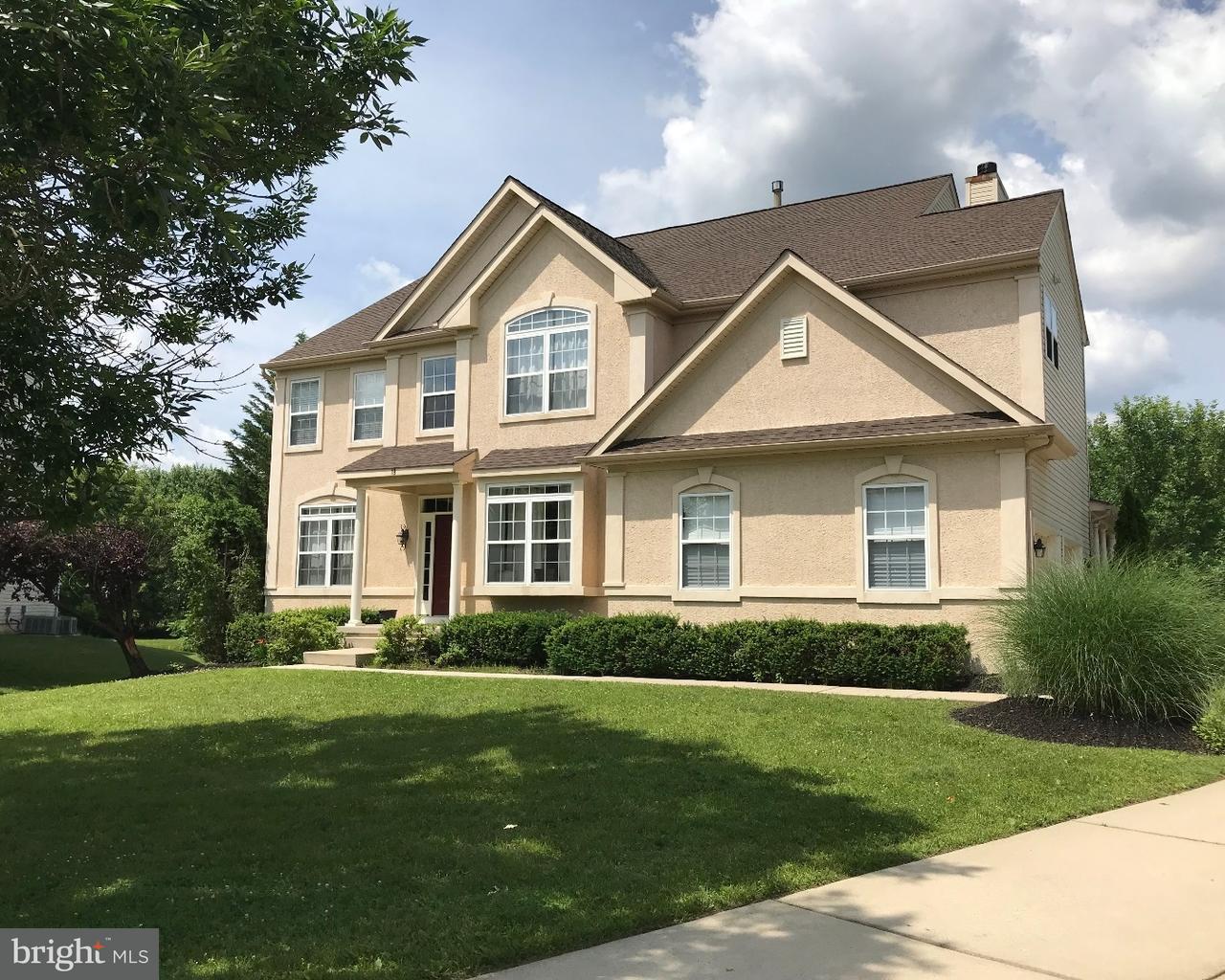 Maison unifamiliale pour l Vente à 19 ARMSTRONG Drive Cinnaminson, New Jersey 08077 États-Unis