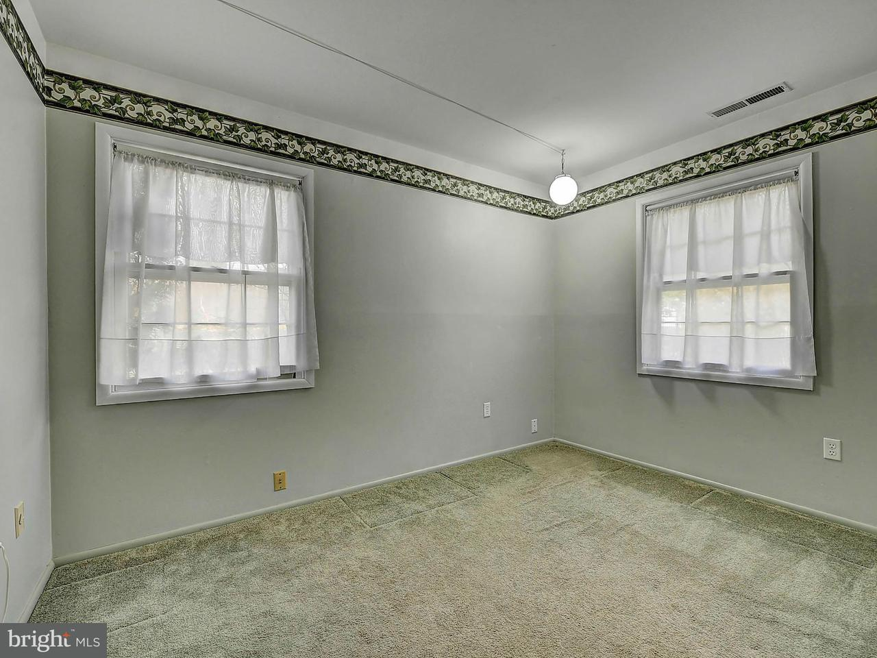 Additional photo for property listing at 7215 Wickford Drive 7215 Wickford Drive Alexandria, 버지니아 22315 미국