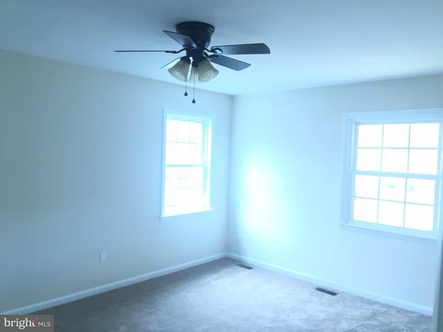 Additional photo for property listing at 755 Barbaralynn Place 755 Barbaralynn Place Herndon, Virginia 20170 Estados Unidos