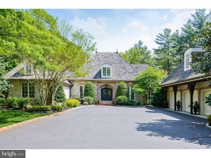 Maison unifamiliale pour l Vente à 807 RIVERTON Road Moorestown, New Jersey 08057 États-Unis