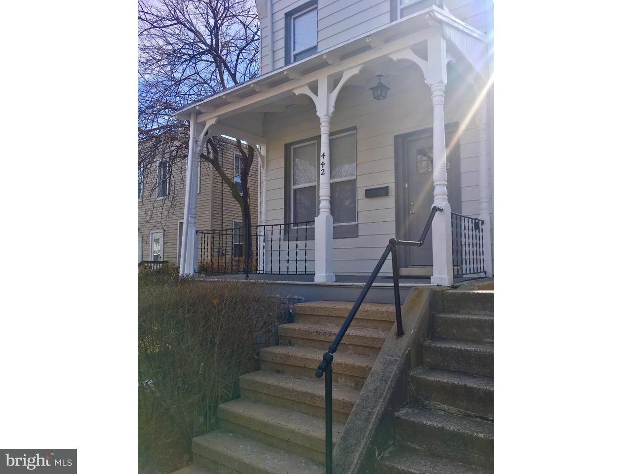 Casa Unifamiliar por un Alquiler en 442 FRANKLIN Street West Reading, Pennsylvania 19611 Estados Unidos