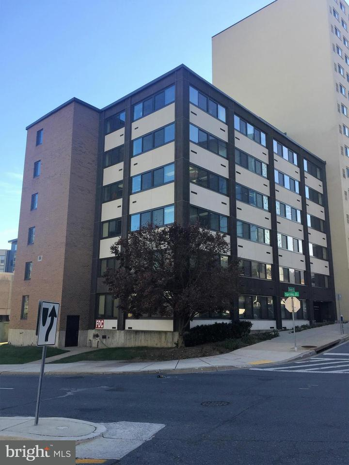 Commercial for Sale at 700 Roeder Road 700 Roeder Road Silver Spring, Maryland 20910 United States