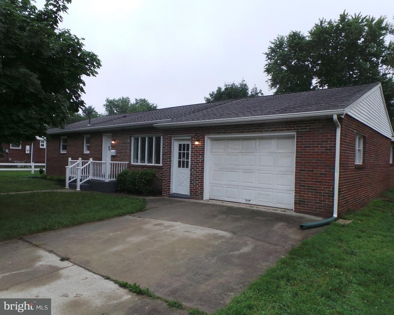 独户住宅 为 销售 在 1220 WALTER Avenue Paulsboro, 新泽西州 08066 美国