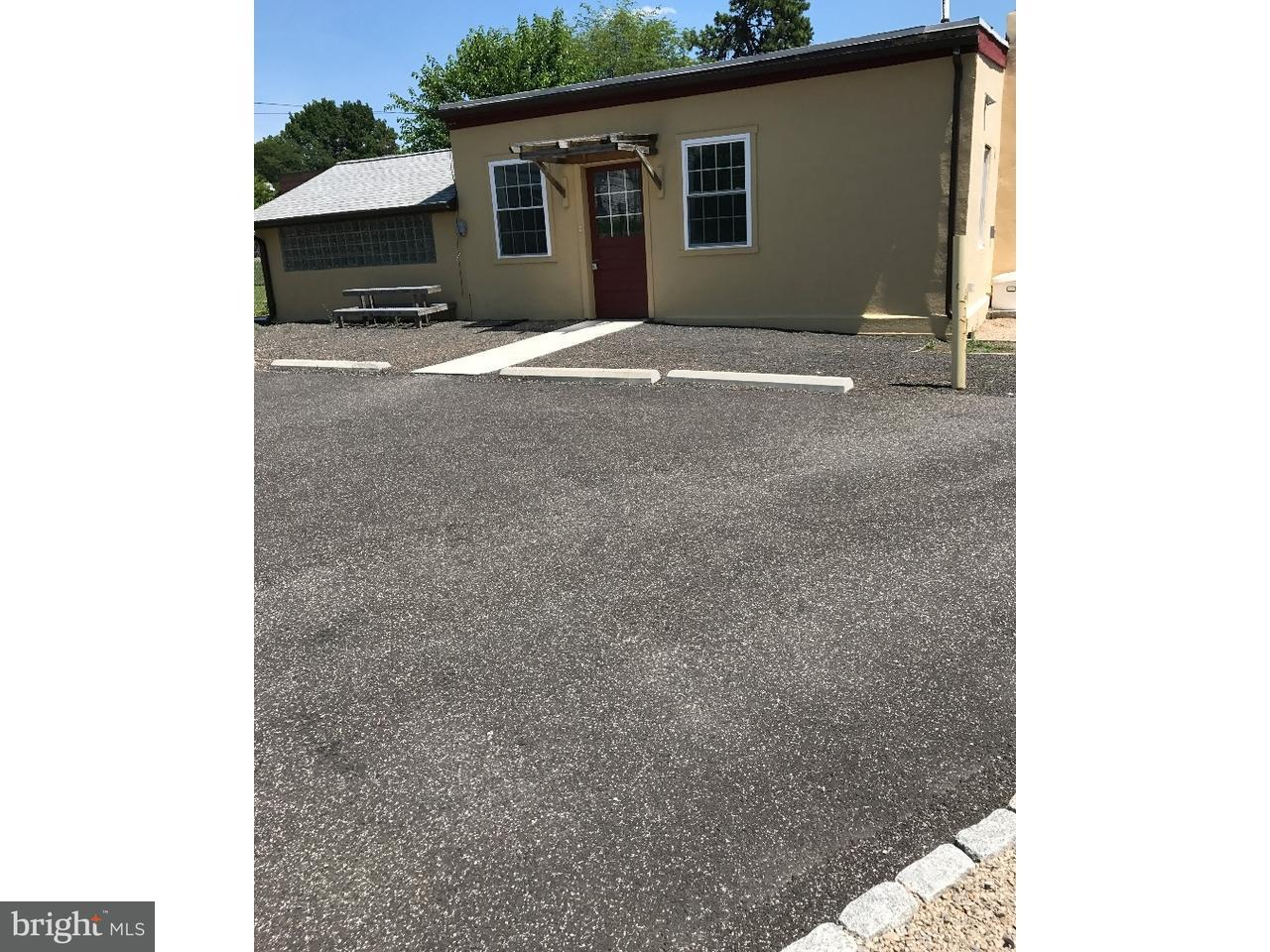 Maison unifamiliale pour l à louer à 2012 PAPER MILL Road Oreland, Pennsylvanie 19075 États-Unis